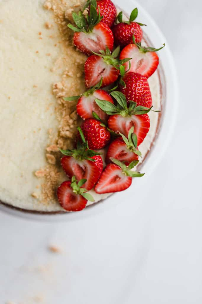 moist vanilla cake with mascarpone buttercream