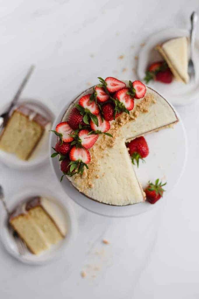 simple vanilla cake with mascarpone buttercream