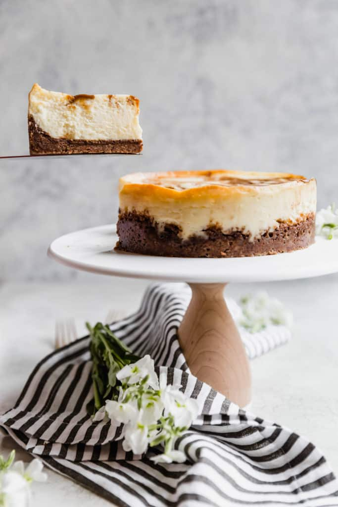 foolproof dulce de leche cheesecake with chocolate chip cookie crust!