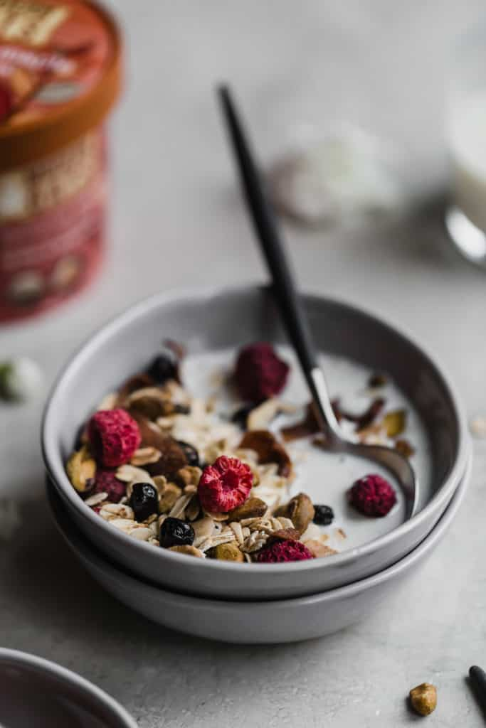 10 minute muesli with dried fruit and chocolate!