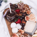 how to make cheese boards for a perfect summer picnic