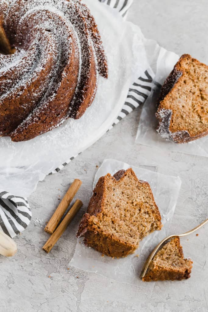 apple cinnamon bundt cake with caramel