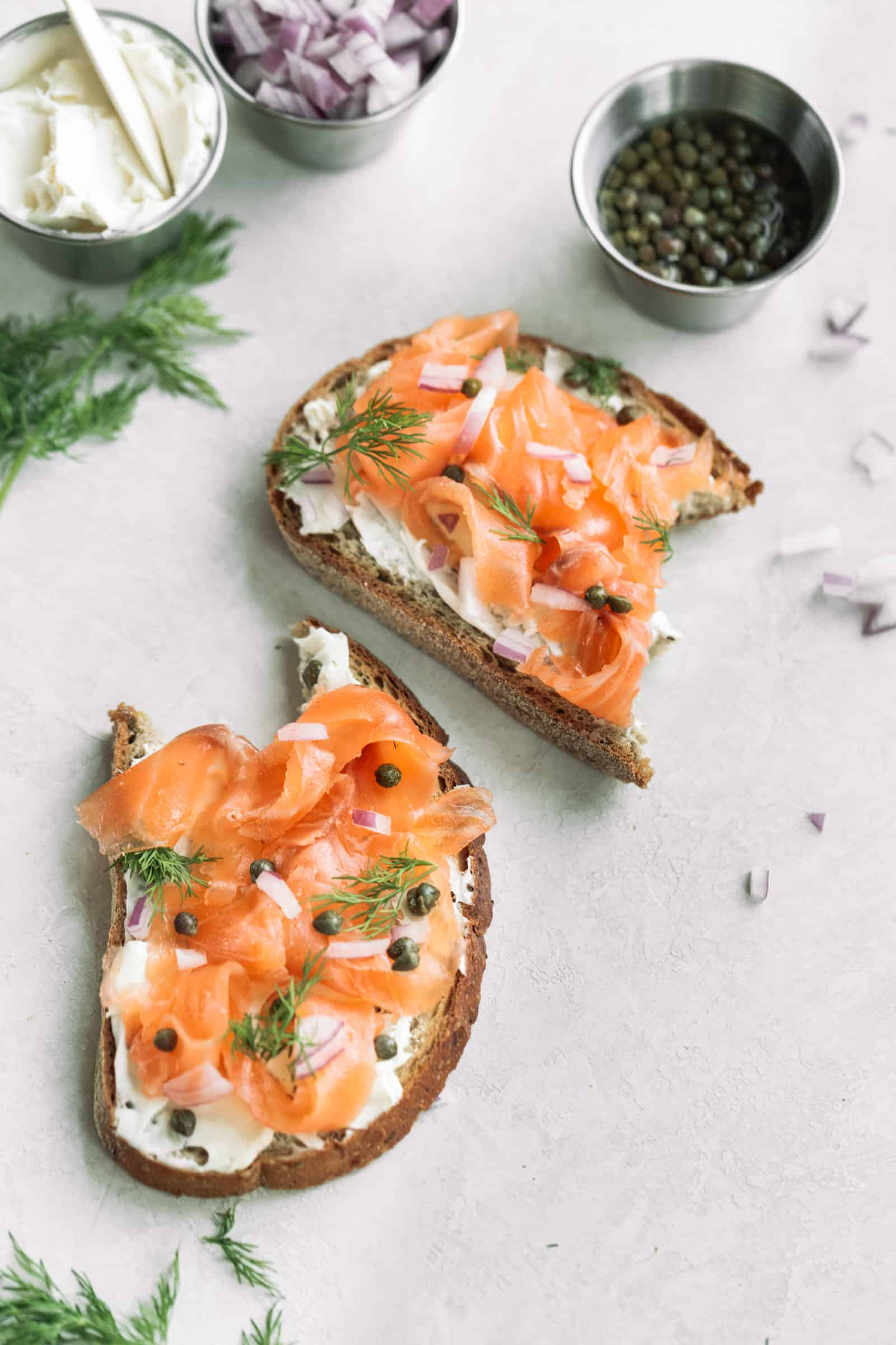 simple cold cured gravlax