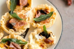 Baked Brie Phyllo Cups