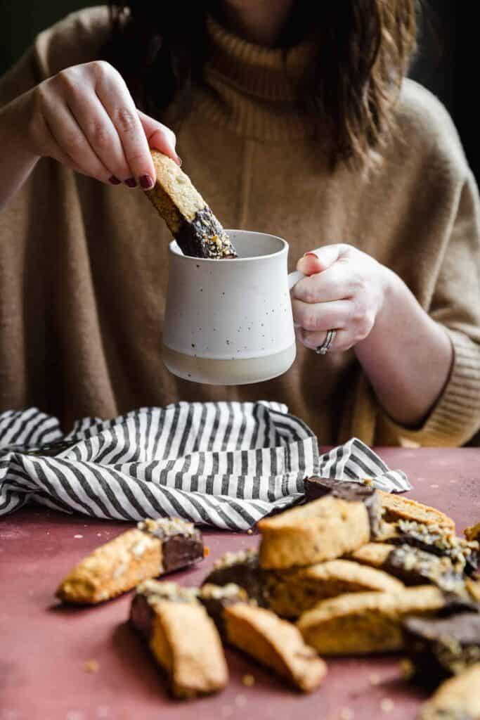 binscotti dipped in hot coffee