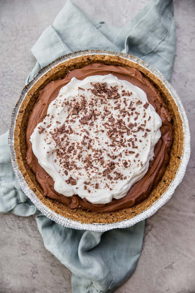quick and simple chocolate mousse pie