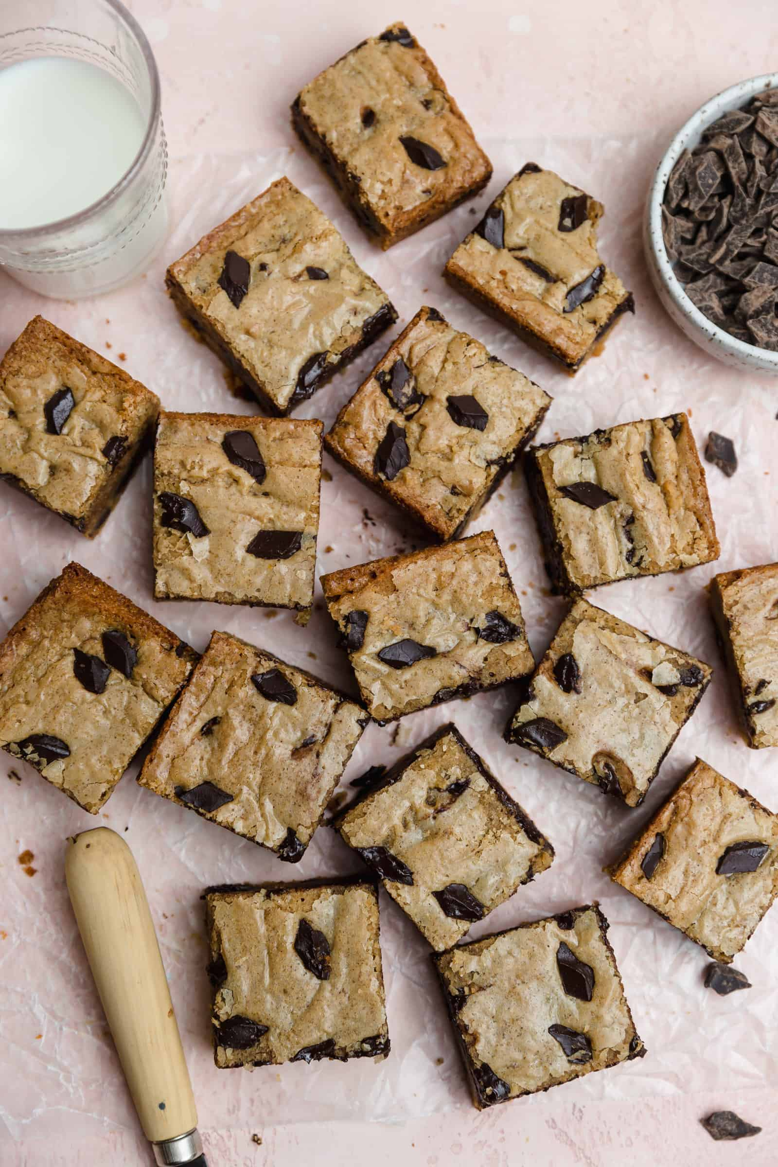 dark chocolate chunk browned butter blondies cut into squares