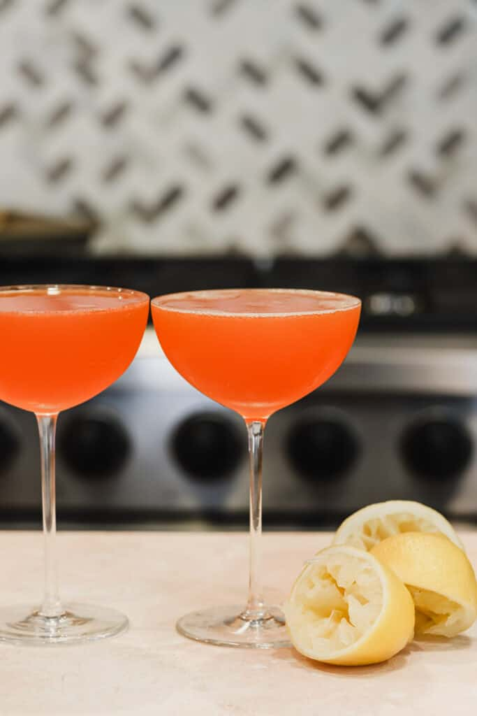 Paper plane cocktails on a counter