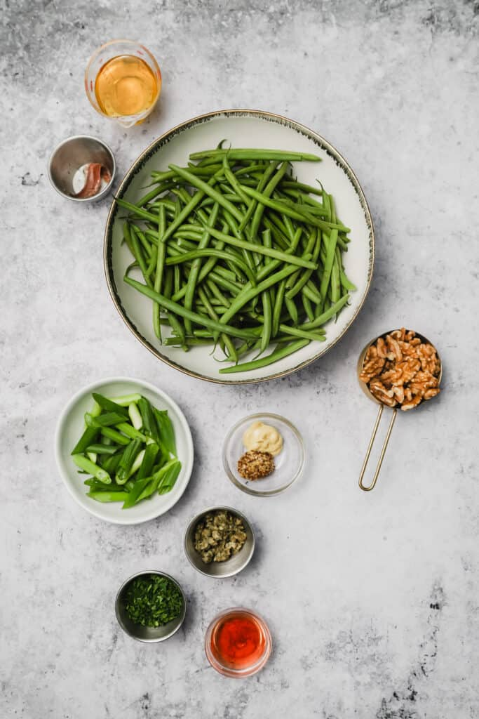 Ingredients for sautéed green beans