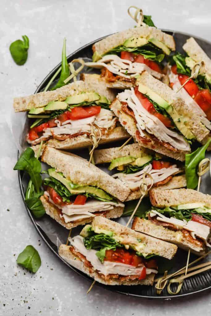 Club sandwiches with aioli