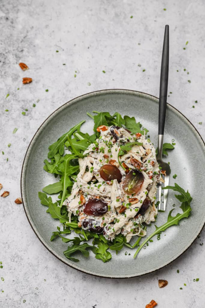 Pecan chicken salad with arugula